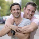Дискриминацията, която гей двойките търпят